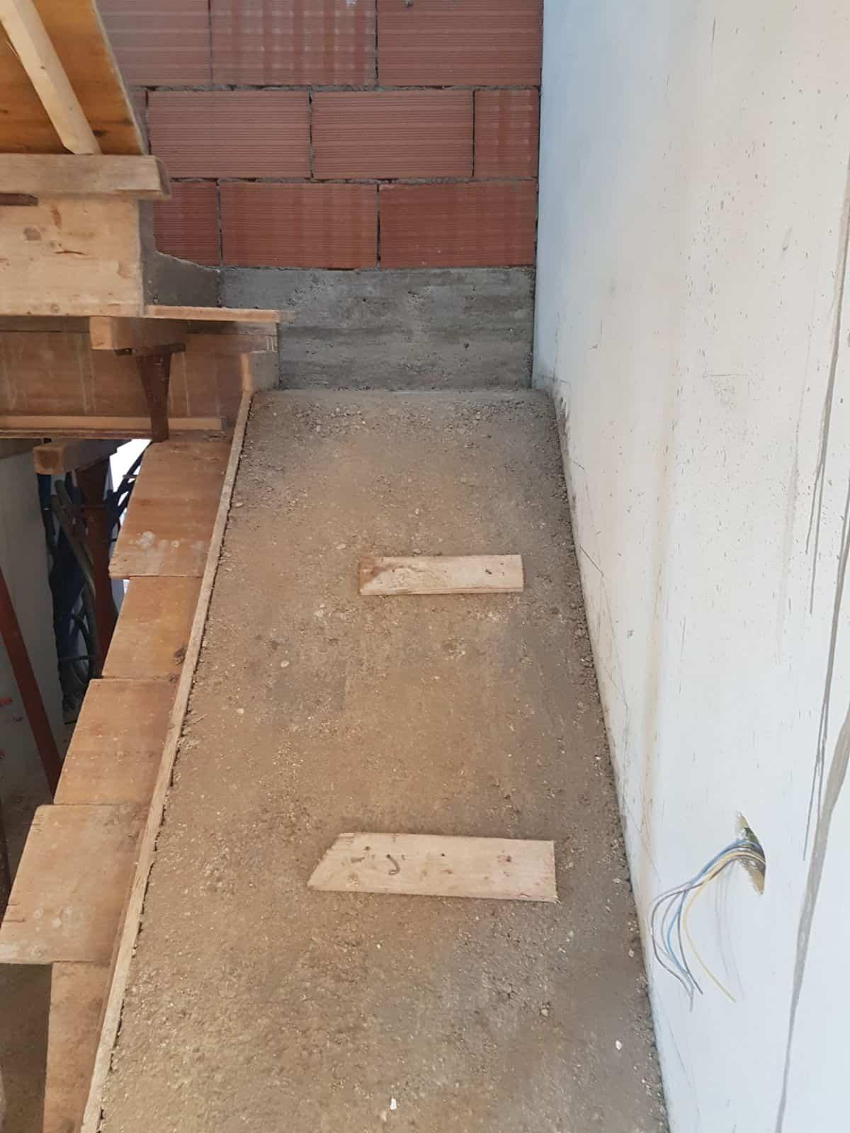 Bottom Half Stairway Concrete