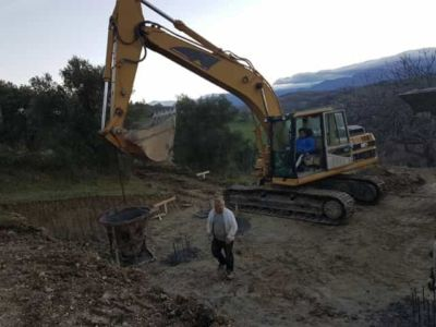 Ready to pour final piling at building site in :Le Marche