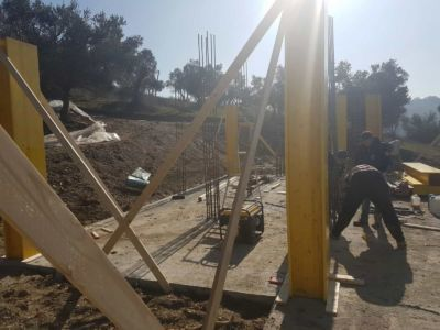 More Column Work at new house construction site in Le Marche