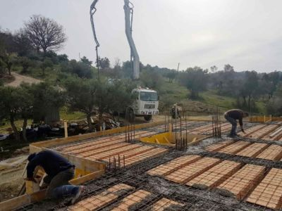 Concrete Crane Ready to Work building new house in Le Marche