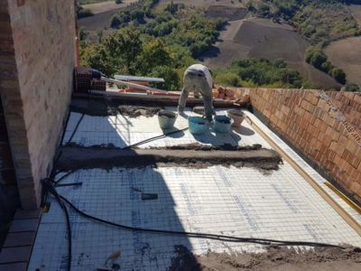Concrete for the Terrazza Floor at a new building site in Le Marche, Italy