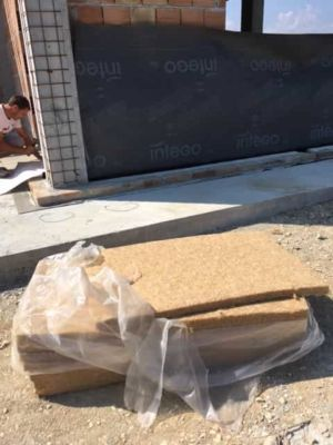 Hemp Insulation Panels on a new stone house in Le Marche