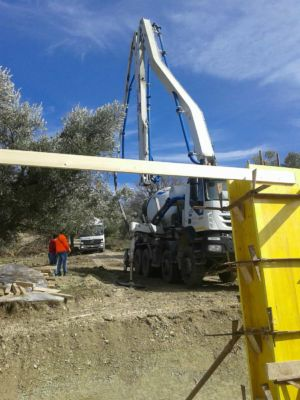 Concrete Truck and Crane with Column Form