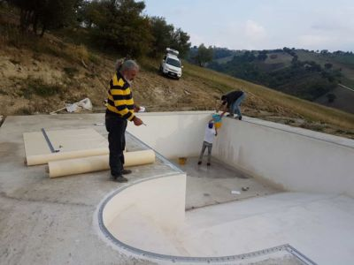 Signore Silenzio at the site of new construction in Marche