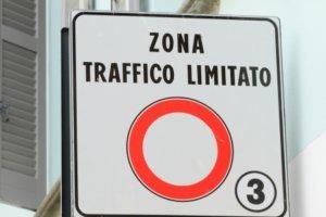 zona traffico limitato sign