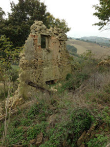 ruined house in Le Marche Italy