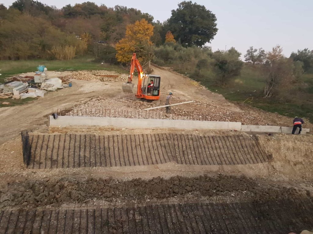 Backfill Work Behind Wall at a new house in Le Marche